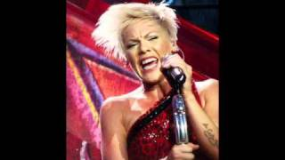 Pink On Mary J. Blige & Sings Mary Classics!