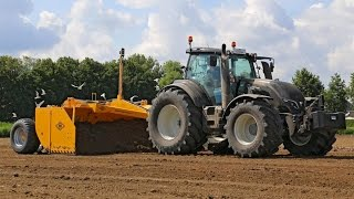 Video *NEW* Valtra T234 Active Black land levelling | Bos 5m scraper box | Cintégro - Ens MP3, 3GP, MP4, WEBM, AVI, FLV Februari 2019