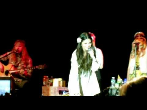 "Selena Gomez & The Scene – ""Love You Like A Love Song"""