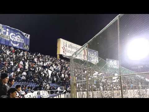el que no salta es verguenza nacional - La Barra del Olimpia / Olimpia vs capiata / Clausura 2013 - - La Barra del Olimpia - Olimpia