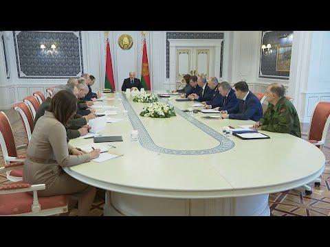 Лукашенко: в акциях протеста в Белоруссии участвуют преступные элементы