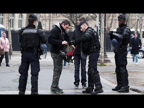 «Αστακός» το Παρίσι λόγω «Κίτρινων Γιλέκων»