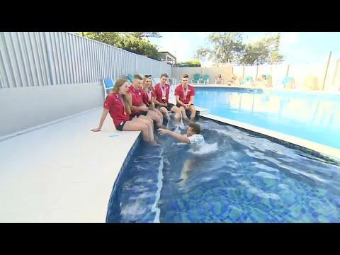 Vor laufender Kamera: BBC-Reporter rutscht in Swimm ...