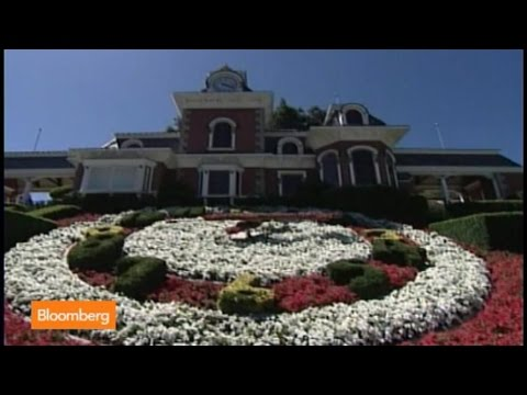"Michael - July 31 (Bloomberg) -- Neverland Ranch, the Los Olivos, California, property where the late entertainer Michael Jackson lived, may soon get a new owner. Scarlet Fu reports on ""Bloomberg Surveilla..."