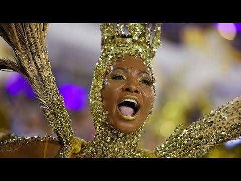 Sambaschulen wetteifern beim Karneval von Rio de Jane ...