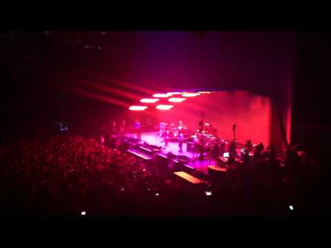 Radiohead - 'Indentikit' and 'Cut A Hole' (New Songs Live)