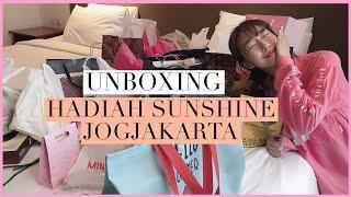 Video SunnyApril D7: UNBOXING KADO DARI SUNSHINE JOGJAKARTA ❤️ MP3, 3GP, MP4, WEBM, AVI, FLV September 2019