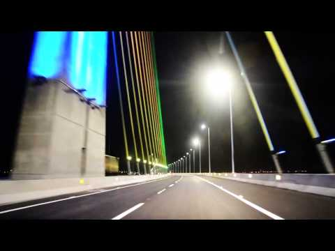 Vista noturna e passeio Ponte Anita Garibaldi