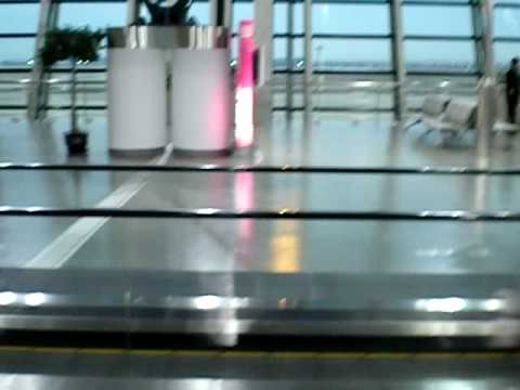How to Clean a Moving Sidewalk...In China