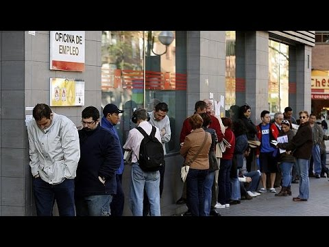 España - España registra el mes de septiembre menos malo en el paro, tras la temporada turísitica, desde el inicio de la crisis. A pesar de que en la oficinas de empleo se contabilizaron unas veinte...