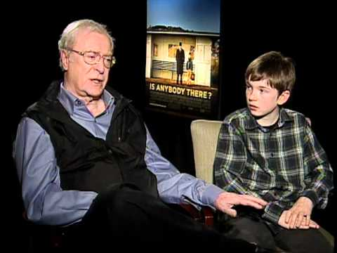 Is Anybody There? - Exclusive: Michael Caine and Bill Milner Interview
