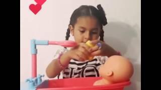 En este video les presento a mi muñeca Baby Liah y su hora del baño.Espero que el video sea de su agrado, le den like y se suscriban a mi canal. Gracias ....