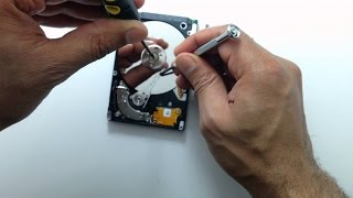 How to recover data from a dead hard drive (for beginners)