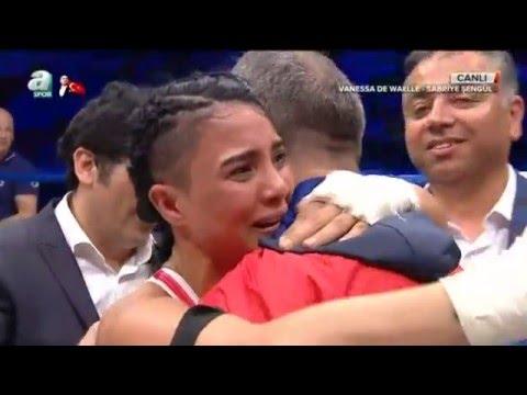 Sabriye Şengül Belçikalı Wenessa Da Waelle karşısında! World Kick Boks Champions Night (видео)
