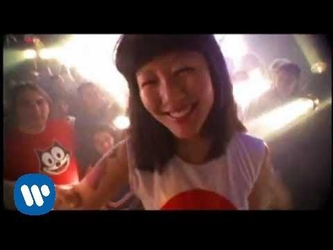 Tekst piosenki The Flaming Lips - Yoshimi battles the pink robots po polsku