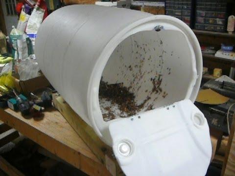 Barrel compost tumbler