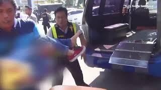 Video Detik - Detik Penyelamatan Anak Pelaku Peledakan Bom di Polretabes Surabaya MP3, 3GP, MP4, WEBM, AVI, FLV Mei 2018