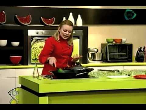 ¡Nuestro Día! Prepara un filete de pescado al vapor con verduras salteadas