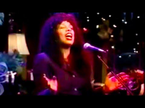 Tekst piosenki Diana Ross - The Christmas Song (Chestnuts Roasting On An Open Fire) po polsku