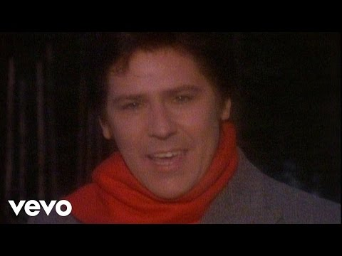 Merry Christmas - Music video by Shakin' Stevens performing Merry Christmas Everyone. (C) 2005 SONY BMG MUSIC ENTERTAINMENT (UK) LIMITED.