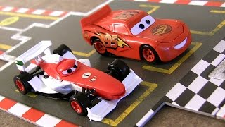 Video Disney Pixar Cars 2 Racing Starter Game Set Lightning McQueen Vs. Francesco Bernoulli MP3, 3GP, MP4, WEBM, AVI, FLV April 2018