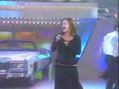 Tekst piosenki Belinda Carlisle - Dancing Queen (ABBA cover) po polsku