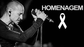 """Chester Bennington, vocalista do Linkin Park, foi encontrado morto por volta das 9h da manhã nesta quinta-feira (20). """"Chocado e..."""