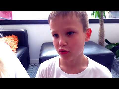 Балди РАЗБИЛ новый iPad Макса и смешная бабушка в реальной жизни мешает детям или kids VS Baldi (видео)