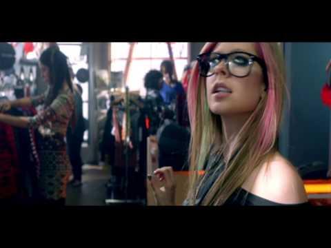 Avril Lavigne Hangout Trailer