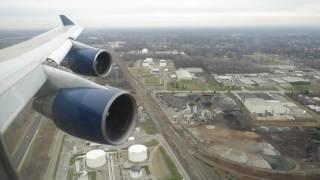 Delta Airlines 747-400 landing in DTW