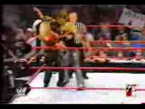 Bradshaw & Trish Stratus Vs Jackie Gayda & Christopher Nowinski RAW!