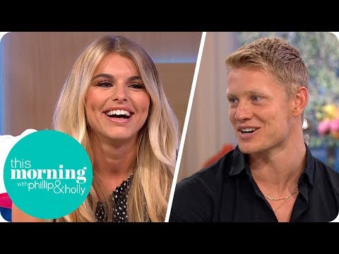 Love Island's Charlie and Hayley Refuse to Sit on the Same Sofa After Being Dumped | This Morning (видео)