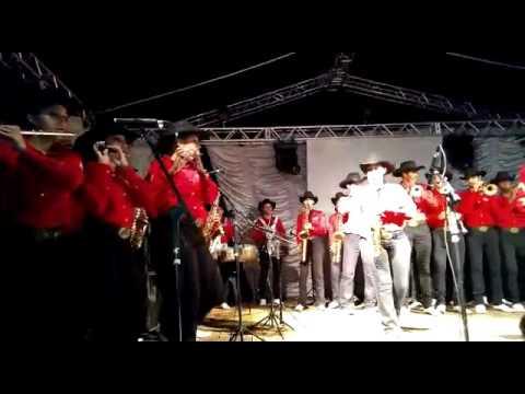 Trecho da apresentação da Facmol em Serranópolis - Dormi na Praça de Bruno e Marrone