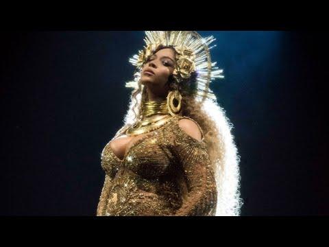 Beyoncé live performance at the 2017 Grammys (Love Drought + Sandcastles)