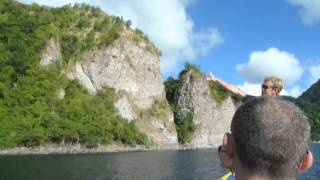 Dominica in the Caribbean. Tips for travellers on things to do video tour on a day trip. Markets, Georgian Buildings, RIB Speedboat tour, snorkeling, visting