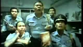 Video Thai TV ads Commercial (Veryyyyy Funny) MP3, 3GP, MP4, WEBM, AVI, FLV Maret 2019