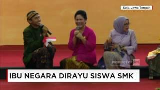 Video Video Lucu, Ketika Ibu Iriana Jokowi Dirayu Siswa SMK - Ibu Negara di Hari Kartini MP3, 3GP, MP4, WEBM, AVI, FLV September 2018