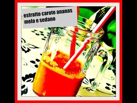 succo purificante di ananas, carote e sedano!