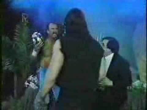 Jake The Snake Roberts helps The Ultimate WarriorUltimate Warrior Funeral Parlor
