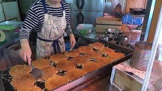 Video Japanese Street Food - OKONOMIYAKI OBANYAKI MP3, 3GP, MP4, WEBM, AVI, FLV Juni 2019