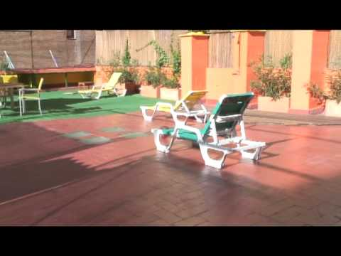 Feetup Yellow Nest Hostel Barcelona の動画