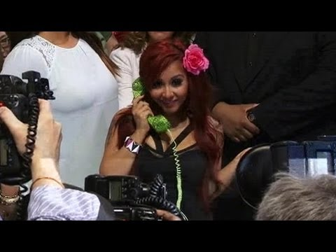 CES 2013: Snooki Launches Fashionable Line of Audio Gear – Video