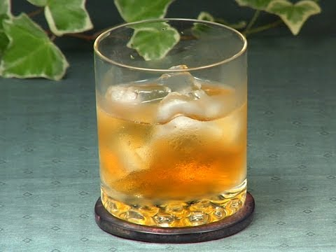 How to Make Umeshu & Ume Syrup (Plum Wine & Plum Syrup) 梅酒と梅ジュースの作り方