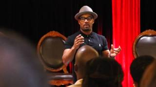 Viral Relationship Specialist Willie Moore Jr. explains to 1000 couples at a marriage conference why wives/girlfriends have a problem respecting their man. WOW MUST SEE!www.WillieMooreJr.org