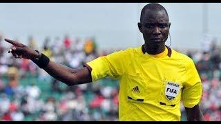 حادثة غريبة وقعت لحكم مباراة الجزائر ضد نيجيريا