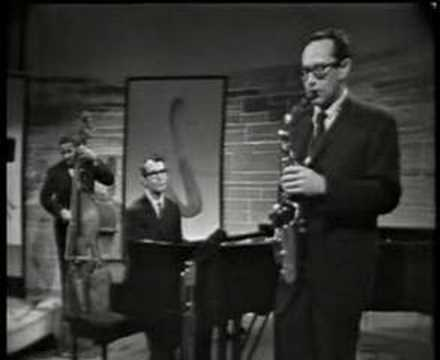 Video Dave Brubeck Quartet - Take Five (Jazz Casual '61) download in MP3, 3GP, MP4, WEBM, AVI, FLV January 2017