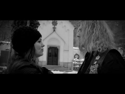 Držitelka Českého lva Michalina Olszańska exceluje v novém klipu Marty Jandové a rockera Izziho! Podívejte se!