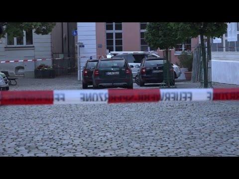 Sirio que no logró recibir asilo en Alemania se inmoló e hirió a 15 personas