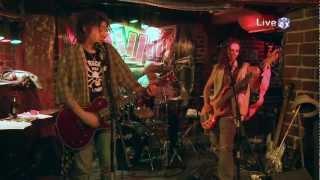Шум - Аз съм красавец (Live @ 3ushi 25/11/2011)