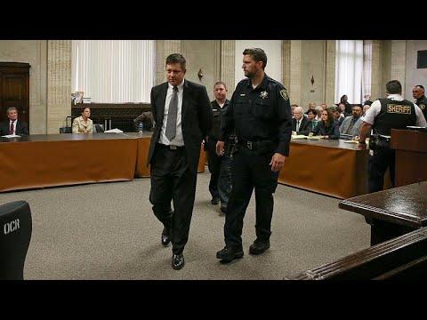 US-Polizist wegen Totschlags an schwarzem Teenger v ...